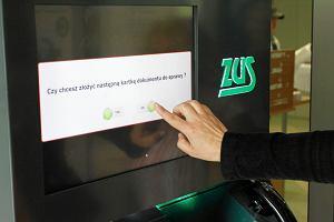 Luka w programie ZUS-u pozwalała wykraść ważne dane. Usuwali ją ponad 4 miesiące