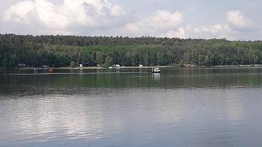 Zalew Chańcza, 3 czerwca 2018. Motolotnia z dwoma mężczyznami wpadła do wody