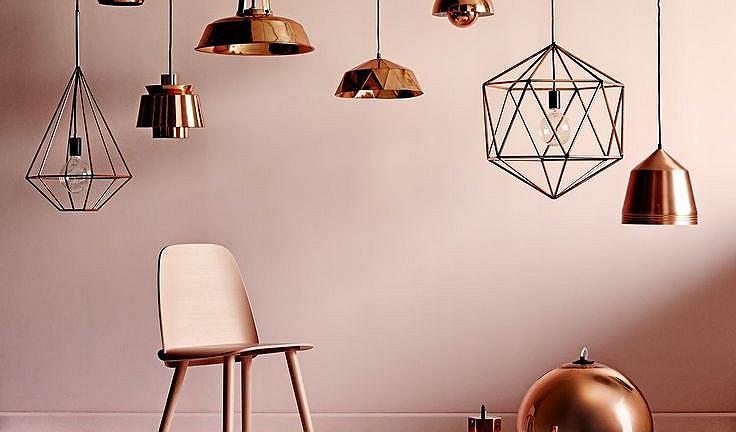 Lampa z metalowym kloszem