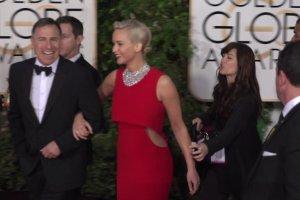 """Z�ote Globy 2016. Jennifer Lawrence najlepsz� aktork�. My dok�adamy nagrod� za sukienk�. """"Zjawiskowa!"""""""