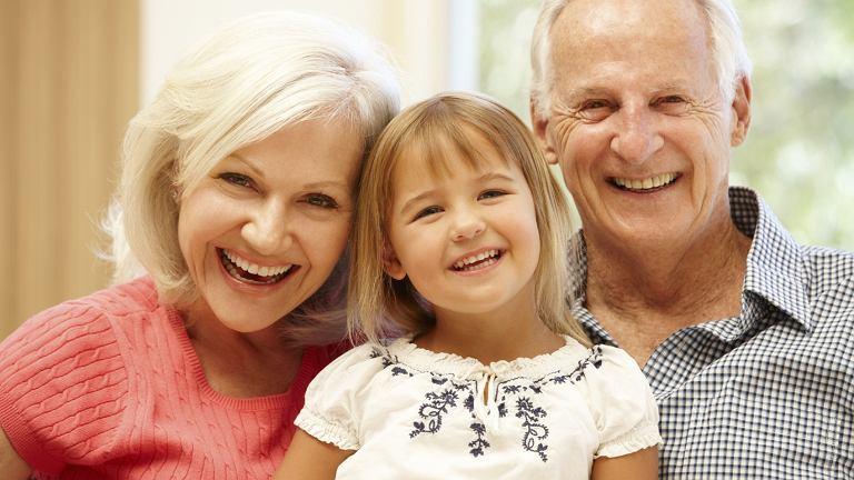 Dzień Babci i Dzień Dziadka to dni do których dzieci chcą się solidnie przygotować. Jakie życzenia na Dzień Babci i Dziadka? Podpowiadamy. Może zainspirujemy was także do zrobienia prezentów?