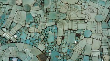Turkusowa mozaika z tarczy w stylu Mixteków