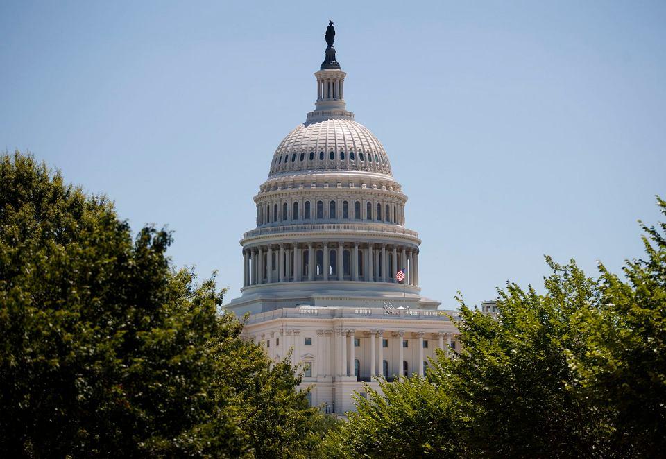 Amerykanie podejrzewają, że - podobnie jak w 2016 r. przed wyborami prezydenckimi - tak i teraz Moskwa będzie chciała ingerować w przebieg głosowania. Kapitol w  Waszyngtonie, 9 lipca 2018 r.