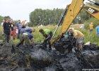 Mazowsze: wrak samolotu odnaleziony po 70 latach. Czy uda si� zidentyfikowa� radzieck� za�og�?