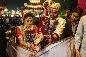 ślubie Indyjskiej Aktualne Wydarzenia Z Kraju I Zagranicy