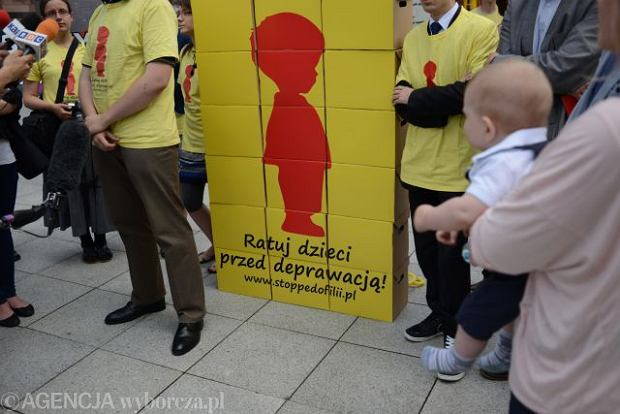 Solidarna Polska chce publicznego rejestru pedofil�w. Prokuratura Generalna jest przeciw