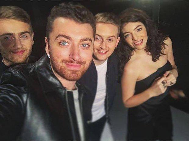 """Grupa Disclosure wystąpiła w programie """"Saturday Night Live"""". Artystów wsparli wokalnie Lorde i Sam Smith."""