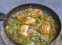 Kurczak duszony w curry z fasolką - ugotuj