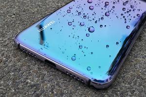 Huawei i Samsung walczą w zwarciu. Kto jest topowym producentem smartfonów w Polsce? To zależy