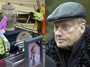 21 lutego na warszawskich Powązkach odbył się pogrzeb aktorki i artystki kabaretowej Krystyny Sienkiewicz. Bez mszy i księdza, za to z tłumem bliskich i przyjaciół. W ostatnim pożegnaniu wzięło udział wielu polskich artystów - Daniel Olbrychski, Magdalena Zawadzka czy Adrianna Biedrzyńska. Nie obyło się bez wzruszających słów. 'Jestem pewna, że kiedy pojawiłaś się Krysiu tam na górze, to rozległy się brawa i oczekiwał cię tłum. Na pewno wszyscy przyszli się przywitać i posłuchać, jakie ploteczki im przyniosłaś' - mówiła na Wojskowych Powązkach Krystyna Demska-Olbrychska. Pogrzeb zorganizował bratanek artystki, muzyk Kuba Sienkiewicz.