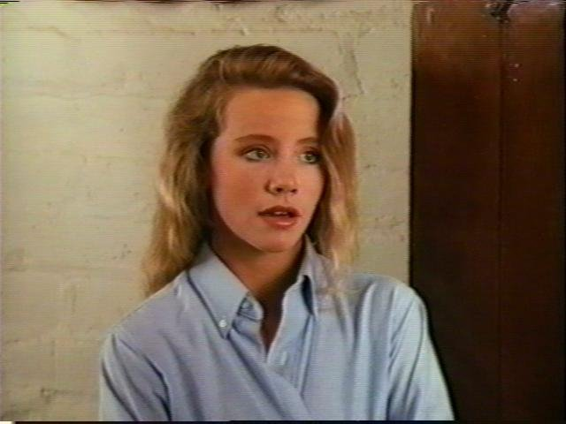 Amanda Peterson / Screen z Youtube.com