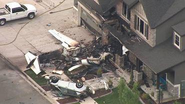 Duane Youd ze stanu Utah wleciał małym samolotem w dom, w którym była jego żona