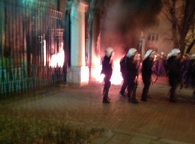 Podpalona stróżówka w ambasadzie Rosji