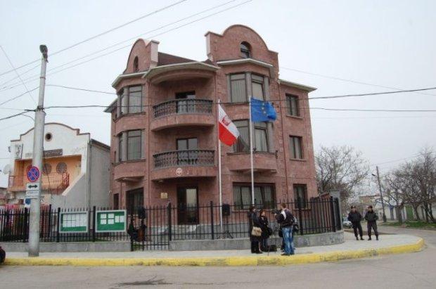 Sikorski: Ewakuowaliśmy polski konsulat w Sewastopolu