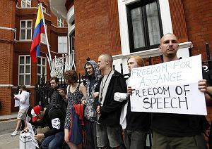Brytyjczycy grożą: Siłą wyciągniemy szefa Wikileaks z ambasady Ekwadoru