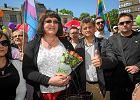 """Palikot przeciw adopcjom dzieci przez gej�w. Grodzka na Facebooku: """"Rodziny jednop�ciowe nie s� dla dzieci obci��eniem"""""""