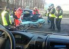 Paszowice: rozbił auto na drzewie i uciekł. Po jakimś czasie sam zadzwonił na policję... z lasu