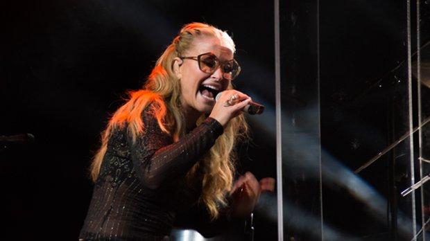 """Anastacia przedstawiła premierowy utwór zatytułowany """"Take This Chance""""."""