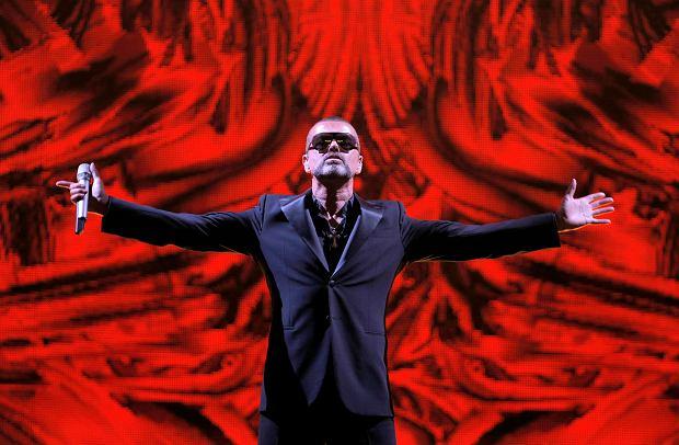 Wszystkich poruszyła wiadomość o śmierci legendarnego muzyka George'a Michaela. Fani, artyści oraz organizacje charytatywne publikowali posty upamiętniające współzałożyciela zespołu ?Wham!?, oddając hołd i wspominając dorobek jego życia.