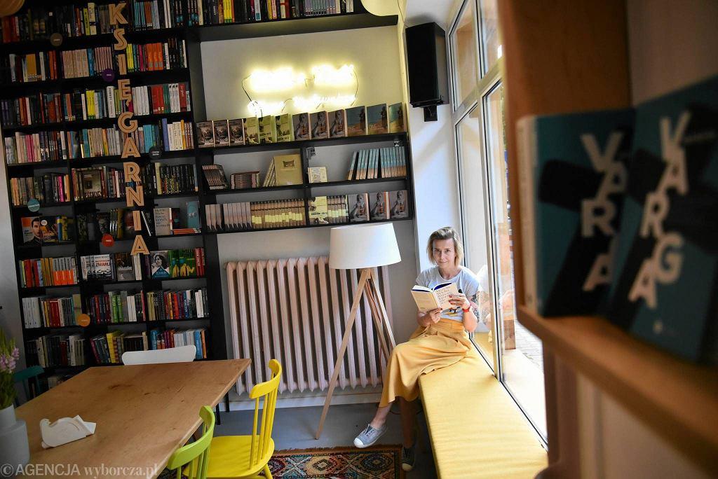Big Book Cafe, na zdjęciu współwłascicielka Anna Król  / FRANCISZEK MAZUR