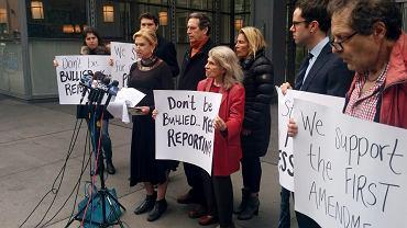 Wystąpienie w obronie mediów przed poczynaniami nowej administracji prezydenckiej pod siedzibą redakcji 'New York Timesa', 25 lutego 2017 r.