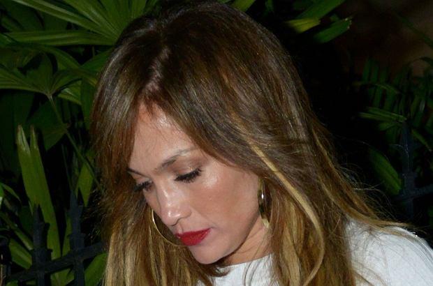 Jennifer Lopez to chodząca perfekcja, zwłaszcza gdy mówimy o jej figurze. Na randce z nowym chłopakiem postanowiła bardzo to wyeksponować.
