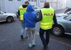 Na sfingowane st�uczki wy�udzili ponad 2 mln z�! Podejrzany m.in. policjant