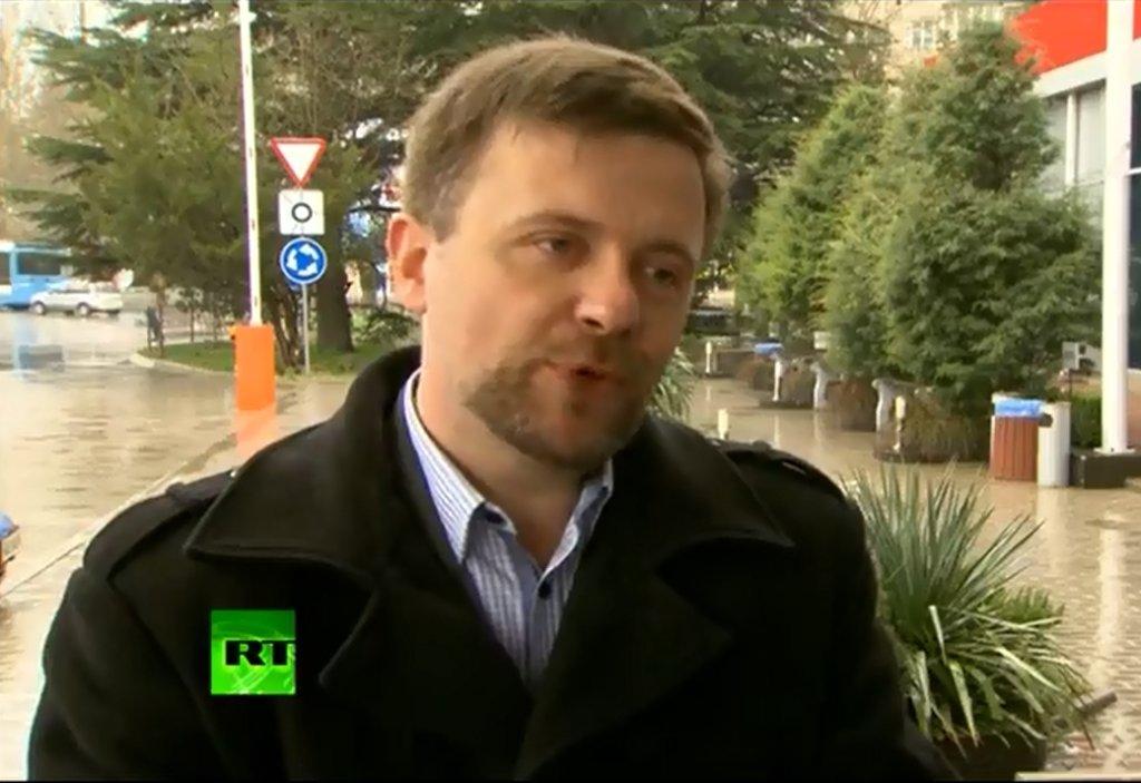 Mateusz Piskorski podczas wypowiedzi dla telewizji Russia Today