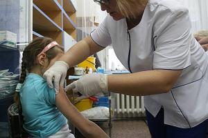 Coraz więcej zachorowań na grypę. To przez nowy wirus [WYWIAD]