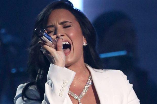 Demi Lovato dała swój pierwszy występ na ceremonii Grammy. Jak jej poszło? Media są zachwycone.