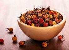 Wino z suszonych owoców głogu lub dzikiej róży - ugotuj