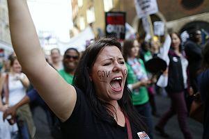 Miliony angielskich uczni�w zosta�y dzi� w domach z powodu strajk�w nauczycieli pa�stwowych szk�