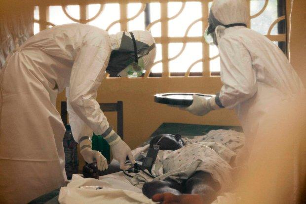 �mierciono�ny wirus ebola dotar� do Nigerii