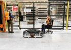 W Amazonie zaczynają prace roboty. Ale firma mimo to będzie dodatkowo zatrudniać ludzi.. do ich obsługi