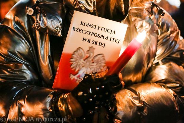 Haliny Bortnowskiej 12 kroków z preambułą do patriotyzmu konstytucyjnego