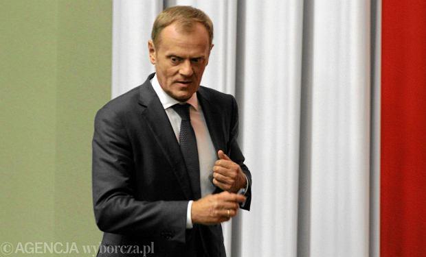 """Tusk dementuje doniesienia o j�zykowym kursie za 21 tys. euro. """"Niestety, nie jestem na Malcie. Nie korzystam ze �rodk�w UE"""""""