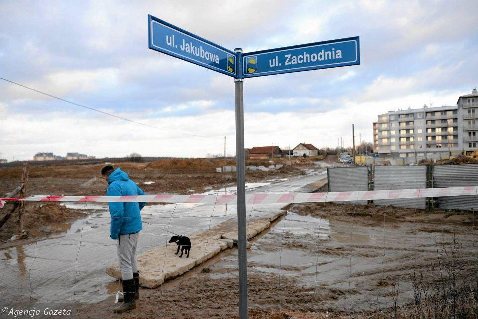Osiedle przy ul. Jakubowej, niedaleko ul. Bartąskiej, na pograniczu Olsztyna i gm. Stawiguda