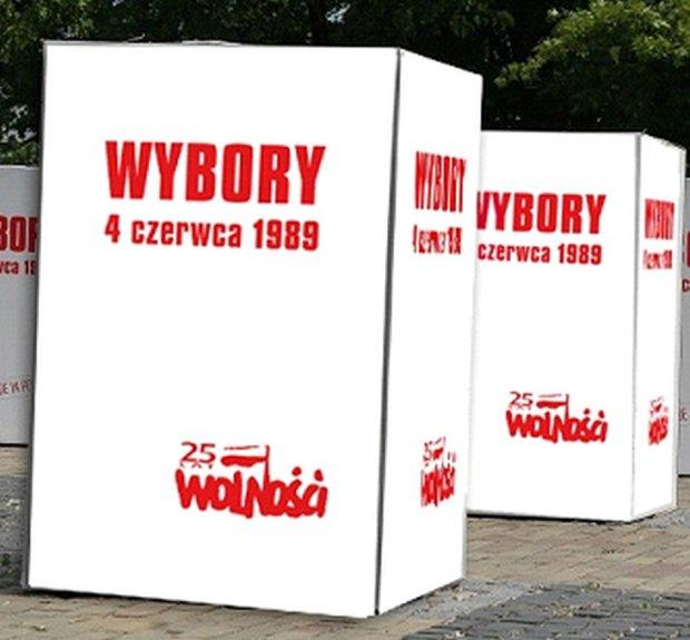 Bia�o-czerwony Gda�sk na 25 lat wolnej Polski. Z�� jej �yczenia do urny wolno�ci