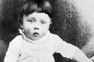 Dzieciństwo i młodość Hitlera. Fragment biografii Petera Longericha [PRZED PREMIERĄ]
