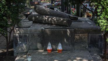 Cmentarz Powązkowski. Grób, w którym spocznie gen. Ścibor-Rylski