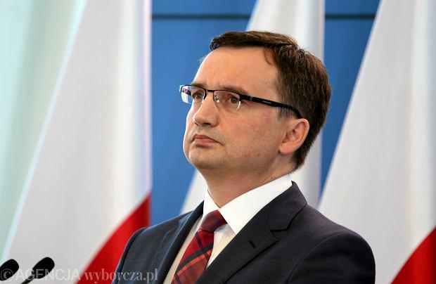 Prokuratura nie ruszy partii Ziobry. Być może finansami Solidarnej Polski zajmie się Unia