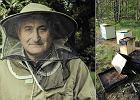 Płakał, gdy spalili mu pasiekę i 300 tys. pszczół. Teraz ma łzy w oczach widząc pomoc z całej Polski
