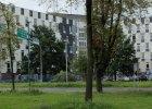 """Policyjny """"Tr�jk�t"""" w Cz�stochowie zmienia wygl�d. Jest ocieplany i degradowany"""