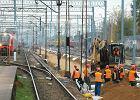 Gigantyczna kumulacja robót na kolei. Przejazdy pociągami dłuższe nawet o 100 minut, opóźnienia w budowach dróg