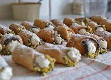 Cannoli, włoskie rurki z serkiem ricottą - ugotuj