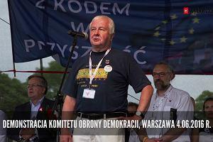 """""""To gra na poważnie"""". Krzysztof Łoziński, szef KOD-u o rodzinie, górach i polityce"""