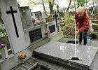 Groby bliskich znajdziesz w internecie, obejrzysz na Skype