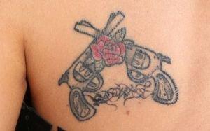 Doda vs Szulim. Kto mia� bardziej stylowy tatua�?