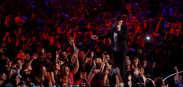 Justin Timberlake performs during the 2013 MTV Video Music Awards in New York August 25, 2013.  REUTERS/Eric Thayer  (UNITED STATES Tags:ENTERTAINMENT) (MTV-SHOW)