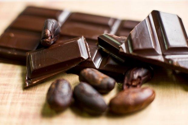 Gotowa czekolada - znakomicie smakuje na przykład w towarzystwie czerwonego wina.